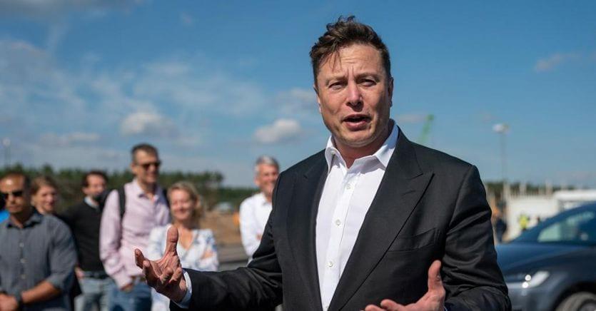 Musk batte Bezos: la Nasa sceglie Space X per la prossima missione sulla luna