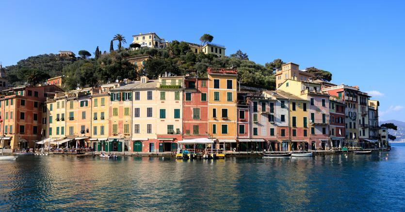 Portofino.In una delle località più esclusive della Liguria i prezzi si sono mantenuti alti anche durante la crisi: attualmente si va da un minimo di 11mila euro al mq a oltre 20mila euro