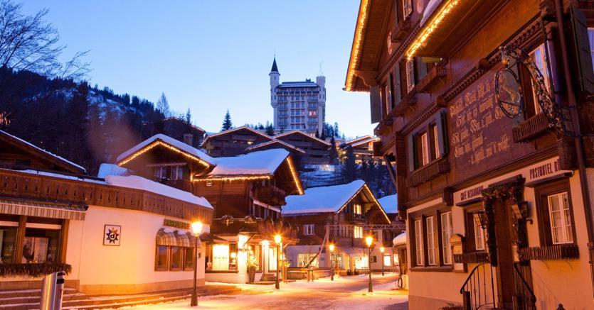 A Gstaad.(Svizzera)i prezzi toccano il picco di 30mila euro al metro quadrato negli chalet di lusso