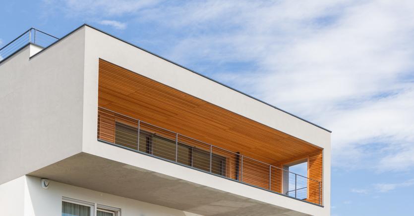 Una realizzazione di Aster: la leggerezza del legno si presta a lavori di sopraelevazione che non appesantiscono la struttura (fotografielafogler)