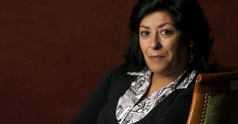 Amata.Almudena Grandes, 58 anni appena compiuti, è una scrittrice molto apprezzata in Spagna ed è amata anche in Italia, dove i suoi libri sono pubblicati da Guanda