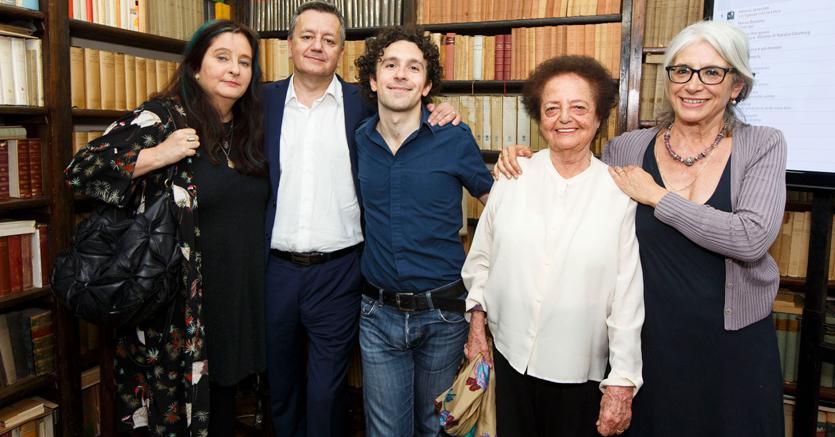 I cinque finalisti del Premio Strega, da sinistra, Helena Janeczek, Carlo D'Amicis, Marco Balzano, Lia Levi, Sandra Petrignani