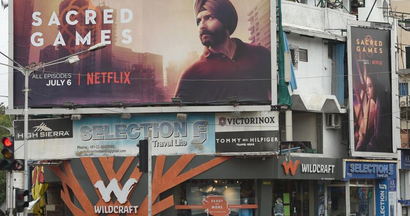 «Sacred Games» è la prima serie tv indiana prodotta da Netflix per raggiungere il mercato della tv in streaming che in tre anni  è passata da 0 a 100 milioni di abbonati. «Sacred Games» è ambientata a Mumbai