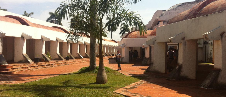 Nuova vita. Per le Escuelas de arte (in foto, quella di danza moderna), volute da Fidel a partire dal 1961, sono stati stanziati 2,5 milioni di euro: il dipartimento di Architettura dell'ateneo di Firenze, insieme con i colleghi di Cuba, curerà il progetto esecutivo e poi il restauro vero e proprio della Scuola di teatro