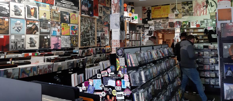 Londra, l'interno di Rough Trade, negozio di dischi legato alla storia degli ultimi 40 anni di musica britannica