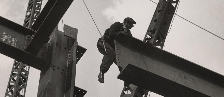 Epos della modernità. Grandi lavori per la viabilità urbana a Milano nel 1965 (Archivio Storico Pirelli)