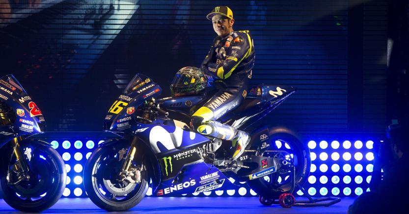 new style 76fac cd8c7 La Yamaha svela la nuova moto di Valentino Rossi e Maverick ...