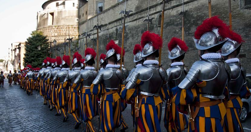 Le guardie svizzere di Papa Francesco, il più piccolo esercito del mondo (Agf)