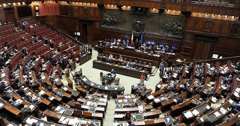Una Trentina Di Ore Complessive Lavoro Al Senato E Quarantina Alla Camera A Tanto Ammontata Finora Lattivit Delle Camere Tra Assemblee