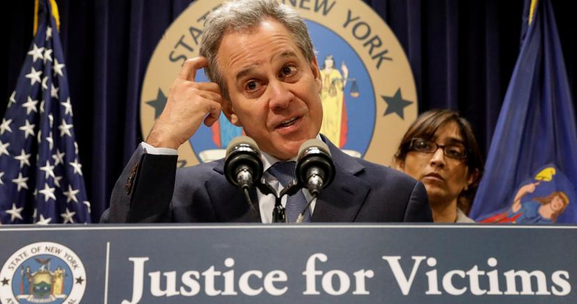 Il procuratore generale di New York Eric Schneiderman (Reuters)
