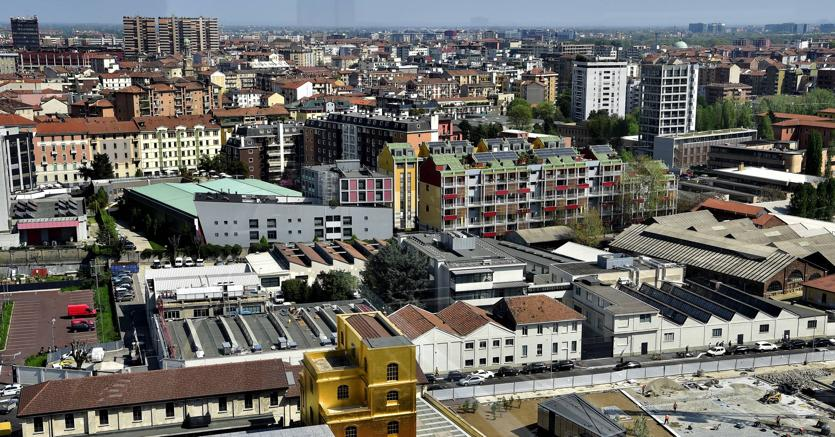 In Lombardia ora cresce anche il lavoro (Fotogramma)