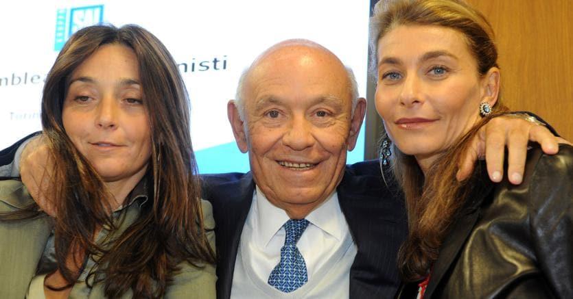 Salvatore Ligresti con le figlie Jonella (a sinistra) e Giulia Maria (Ansa)
