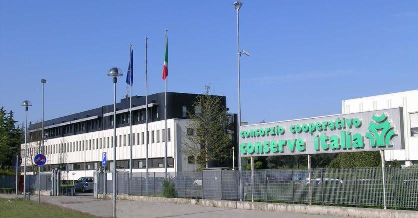 La sede di Conserve Italia. Per i dipendenti arriva il nuovo integrativo
