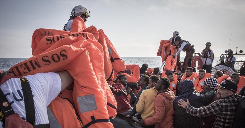L'Ue ha chiesto all'Italia di aumentare la capacità dei centri di detenzione  dei migranti (foto Ansa)