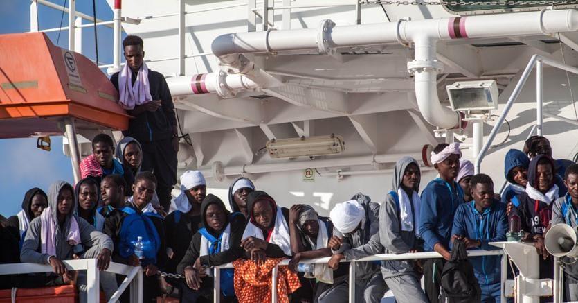 Con una popolazione di 1,2 miliardi, la popolazione africana raggiungerà 1,7 miliardi nel 2030 e tre miliardi nel 2063. Questo aumento di popolazione incide anche sulla crecita del tasso di migrazione. (Ansa)