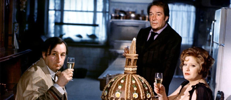 """Una scena dal film """"La grande bouffe"""" di Marco Ferreri"""