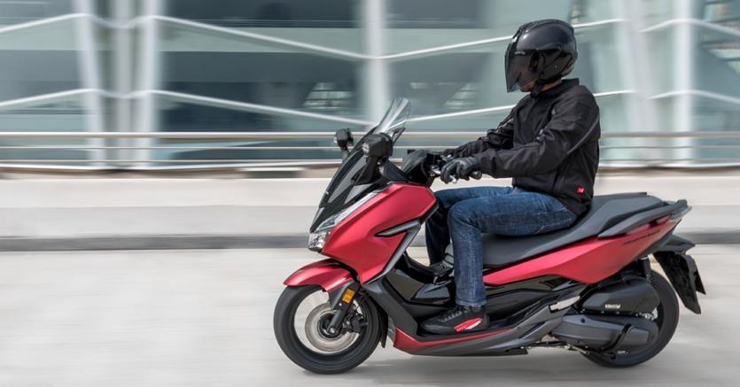 Honda Forza 125 Comè Fatto Il Model Year 2018 Il Sole 24 Ore