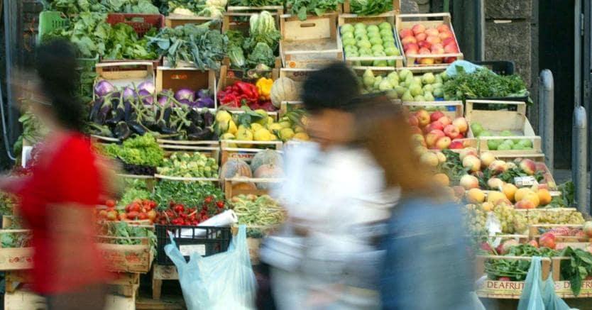 """Istat: rallenta nel 2017 la spesa """"reale"""" delle famiglie (Ansa)"""