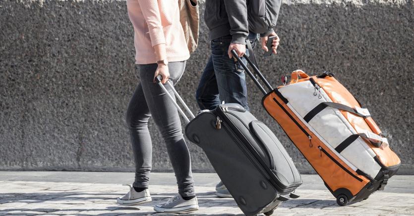 68a26153243a06 Italiani sempre più «migranti»: +11% i trasferimenti all'estero - Il ...
