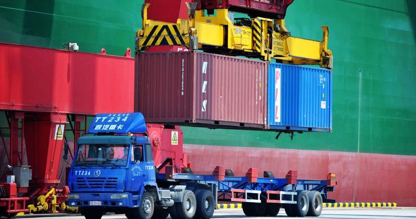 Usa-Cina, via alla guerra commerciale: dazi del 25% su centinaia di prodotti