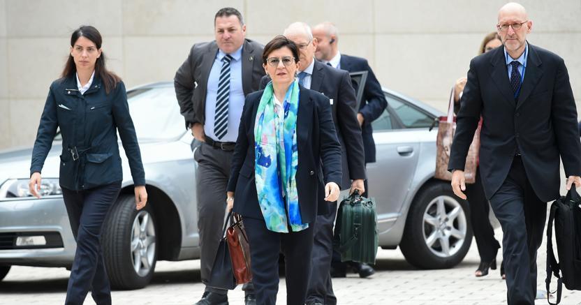 Il ministro della Difesa Elisabetta Trenta ha annunciato che l'Italia non vcomprerà altri F35 (foto Afp)