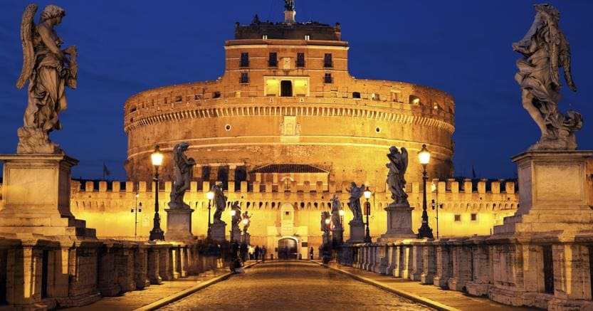 Spade elmi e balestre raccontano la grande stagione del for Mostra cina palazzo venezia