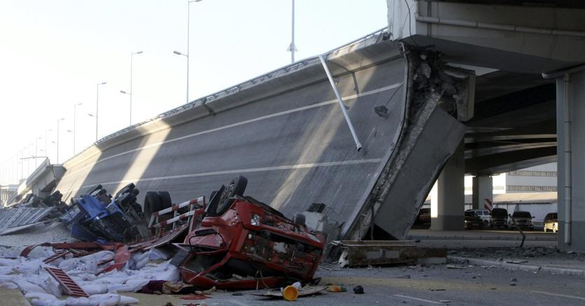 Il crollo del ponte di Harbin Yangmingtan (Xinhua) (lmm) - Afp
