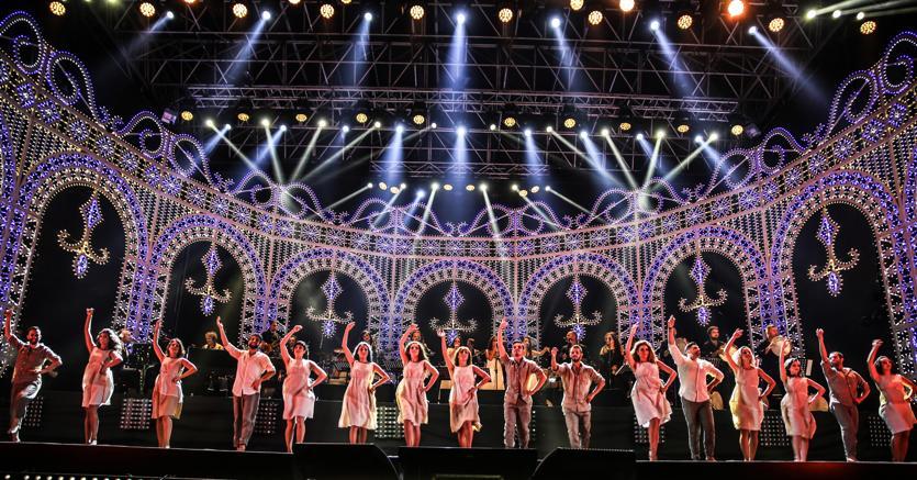 Melpignano, come da tradizione si balla sul palco per il concertone della Notte della Taranta