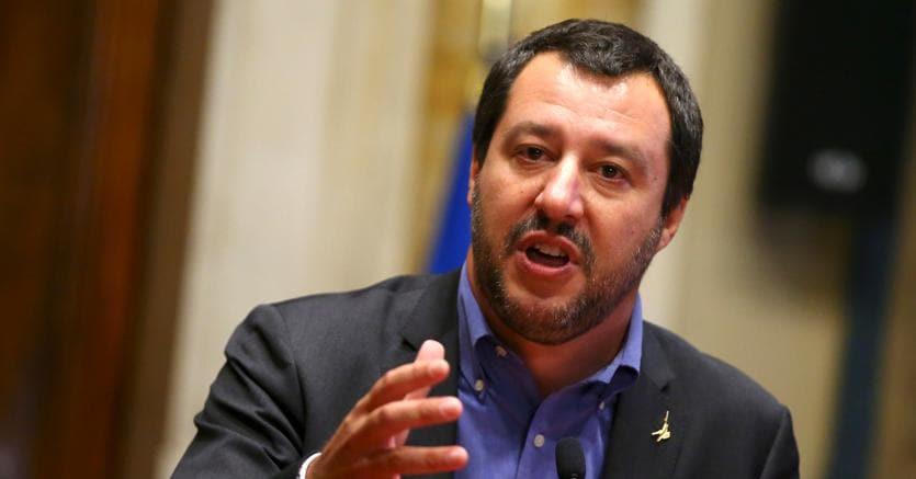 Il vicepremier Matteo Salvini ricorre spesso alle esperienze di altri paesi per definire la sua strategia in politica interna (foto Reuters)