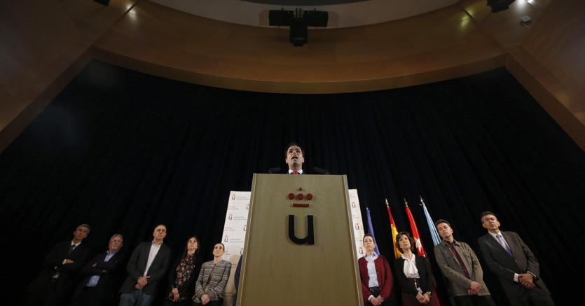 Madrid, 6 aprile 2018. La conferenza stampa del rettore della Rey Juan Carlos Universidad, Javier Ramos (Ansa)