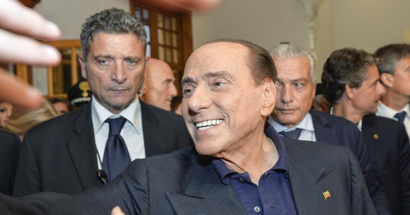 """Il presidente di Forza Italia, Silvio Berlusconi, al suo arrivo alla convention azzurra """"L'Italia e l'Europa che vogliamo"""", organizzata da Antonio Tajani a Fiuggi (Imagoeconomica)"""