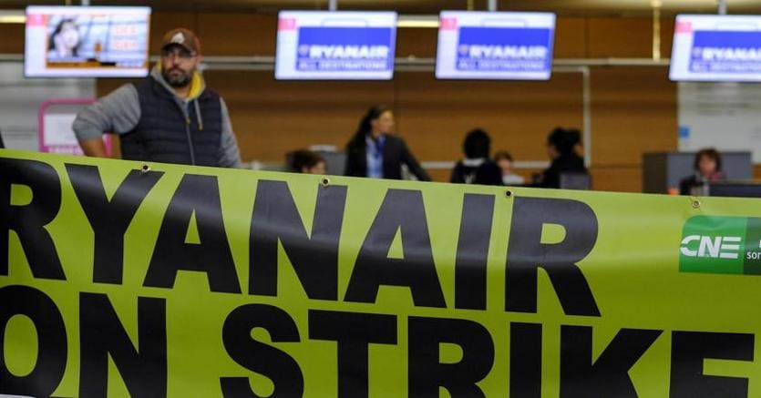 Sciopero in tutta Europa per i dipendenti Ryanair (Epa)