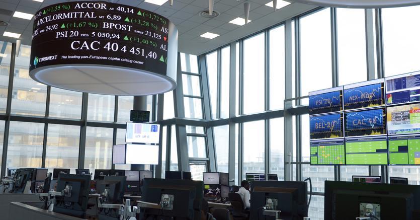Spread risale oltre 280 punti, Borse europee sotto pressione