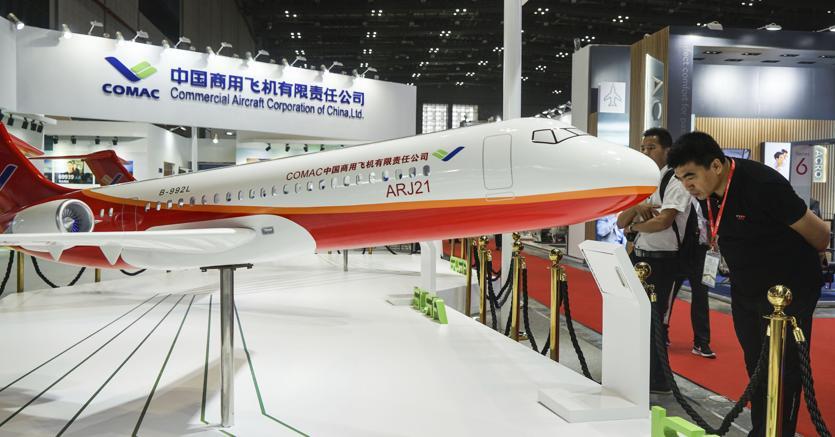 La sfida cinese a Boeing e Airbus.Un grande jet  denominato CR929 di  Comac