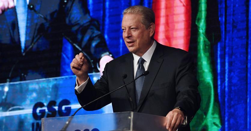 L'ex vice presidente degli Stati Uniti, Al Gore, al summit della finanza ad impatto sociale, a New Delhi (Afp)