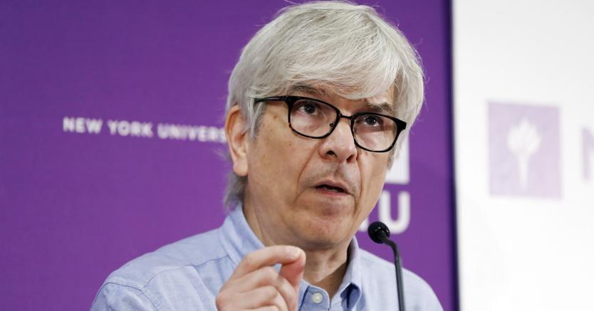 Paul Romer, co-vincitore del premio Nobel 2018 per l'Economia, durante una conferenza alla School of Business di New York. (AP Photo/Richard Drew)