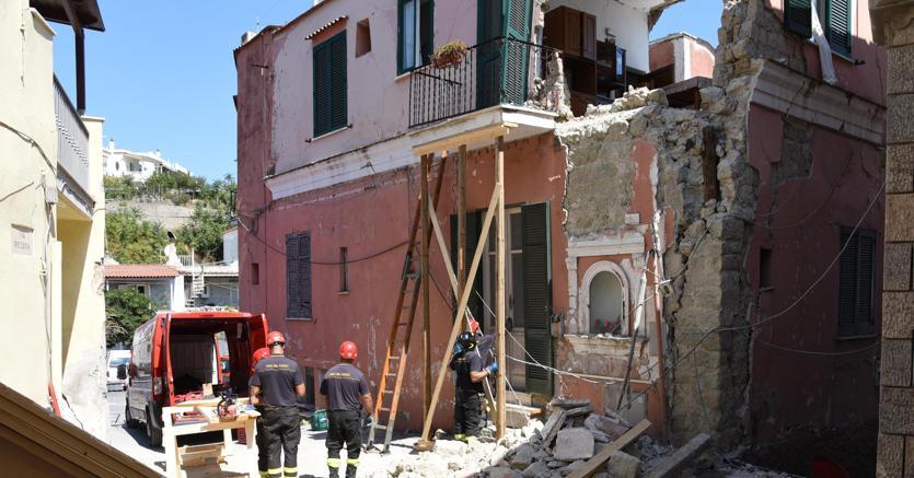 Caso Ischia Salvini Condono Su Abusi Edilizi Non E Bel Segnale