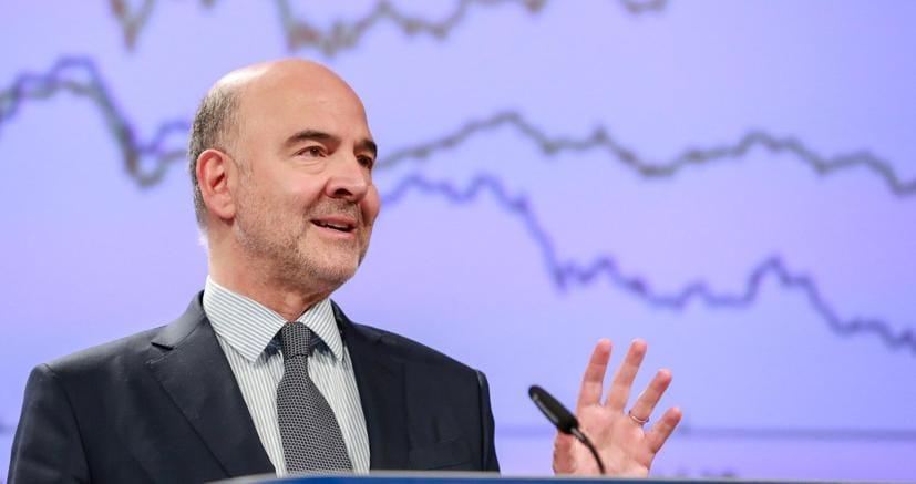 Il commissario Ue aqgli Affari economici Pierre Moscovici (Epa)