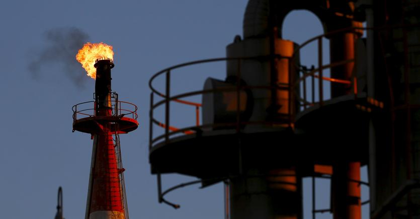Petrolio: in rialzo a 61,11 dollari
