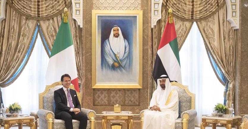 Il presidente del Consiglio Giuseppe Conte ha incontrato il Principe ereditario dell'Emirato di Abu Dhabi Mohammed bin Zayed Al Nahyan ad  Abu Dhabi (foto Ansa)