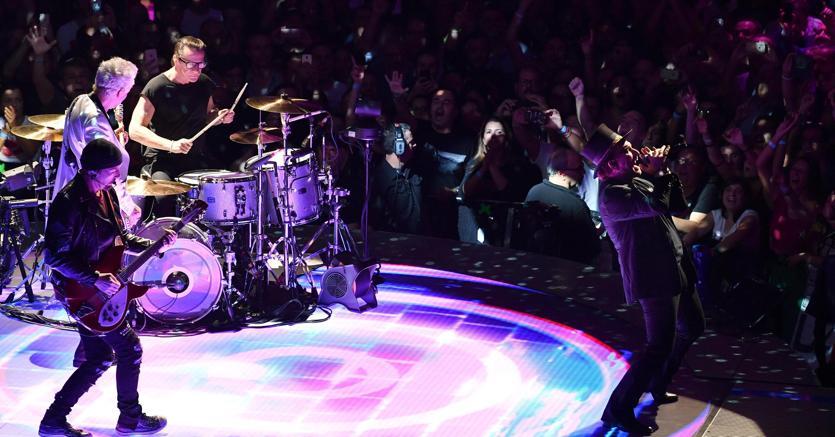 U2 a Milano, quattro date da sold out. Un emendamento in Manovra introduce i biglietti nominali per i concerti (Ansa)
