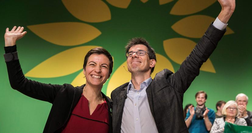 Ska Keller (a sinistra)  e Bas Eickhout, candidati capilista dei Verdi per le elezioni europee di maggio (Afp)