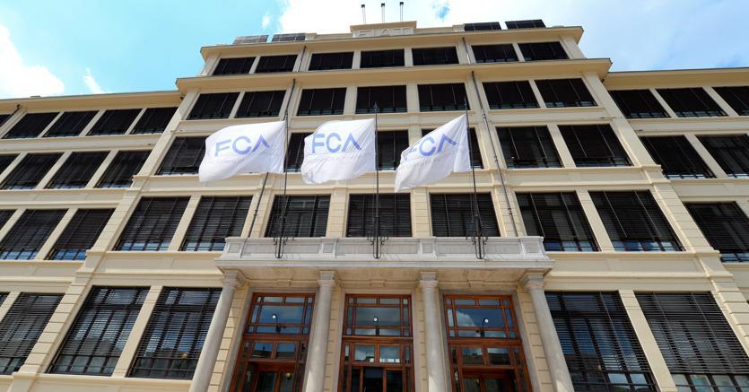La sede di Fca a Torino (Reuters)