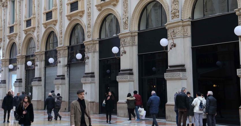 Negozi chiusi in Galleria Vittorio Emanuele a Milano - Fotogramma