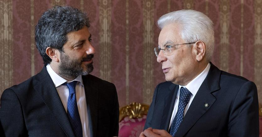 Il presidente della Camera Roberto Fico con il presidente della Repubblica Sergio Mattarella (Ansa)