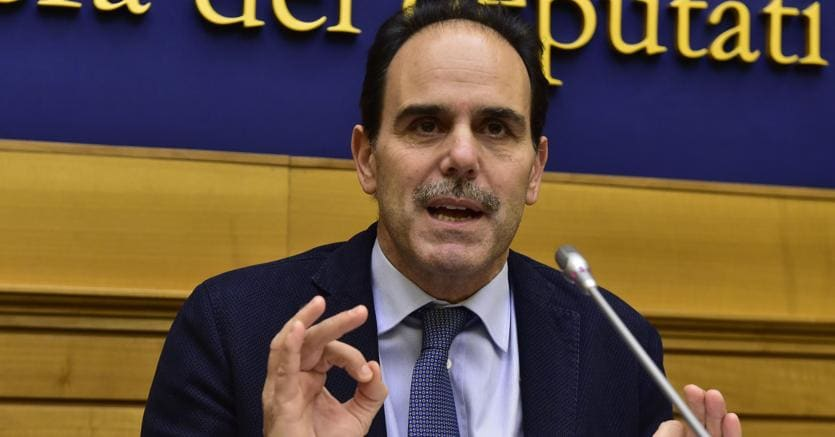 Andrea Marcucci del Pd durante la conferenza stampa (Ansa)