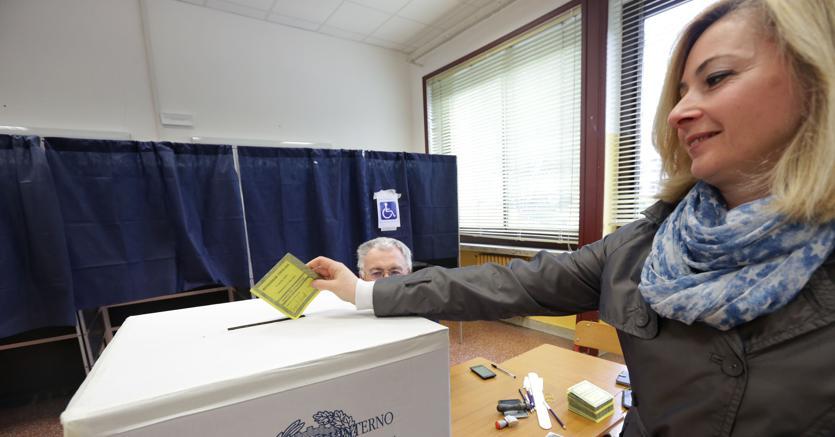 Il referendum propositivo riveduto e corretto con l'apporto delle opposizioni, Pd in primis, si avvia alla prova del voto in Aula alla Camera (fotogramma)