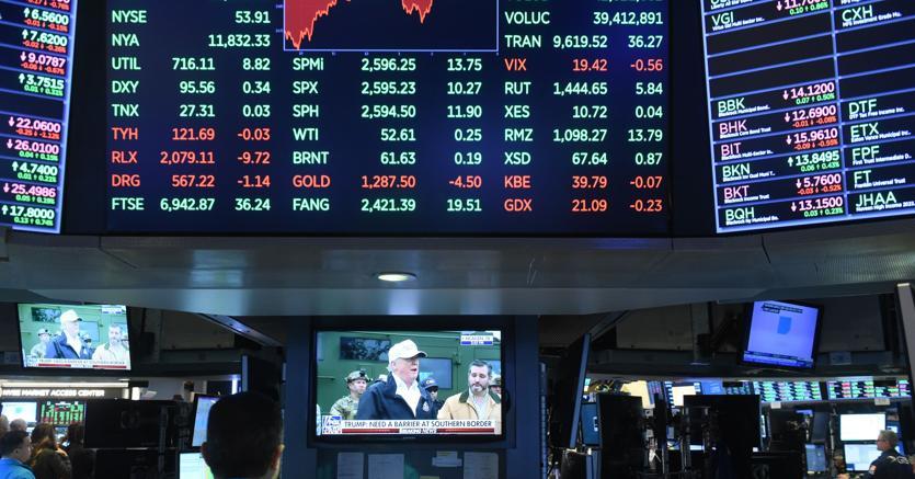 Intesa: utile 2018 sale a 4,05 miliardi
