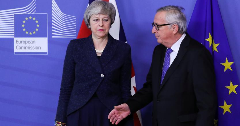 Theresa may e Jean Claude Juncker oggi a Bruxelles (Reuters)