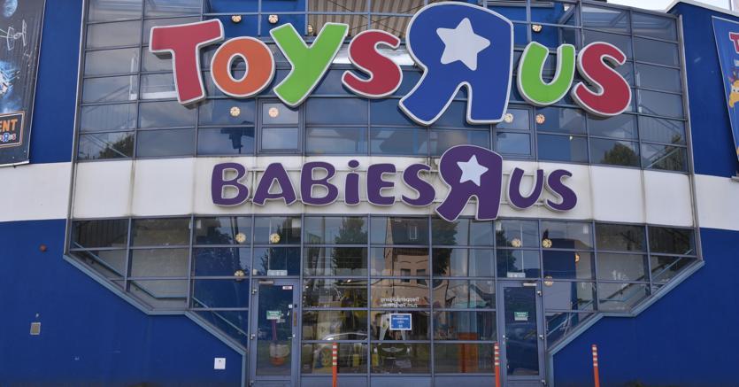 Toys RUs, colosso dei giocattoli, potrebbe riaprire i propri negozi negli Usa grazie a una cordata di ex dipendenti